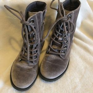 Children's Place Lace Up Silver Soft Boots